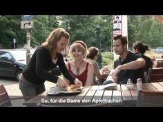 A1: Im Café. Ein kompletter Dialog mit Untertiteln. Si no funciona, aqui URL alternativa: https://www.youtube.com/watch?v=H27Tud-0m9o
