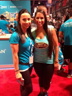 Nicolette  @njstramfam at Quest Booth #coconutter #vegas #mrolympia #mrolympia2014 #olympia #50tholympia #athlete #bodybuildingcom #bodybuilding #coconutbutter #sweetspreads #sweetspreadscoconutter #quest #onaquest #questbar