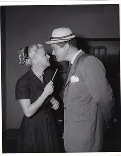Ginger Rogers and Dennis Morgan having some fun on the set of Perfect Strangers Hollywood Pictures, Old Hollywood, A Fine Romance, Fred And Ginger, Perfect Strangers, Ginger Rogers, Fred Astaire, Role Models, Actresses