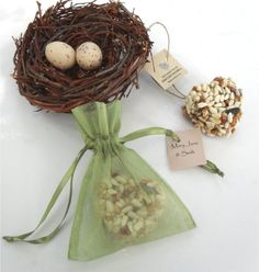 A really adorable wedding favour option - 200 bird seed heart wedding favours in organza by naturefavors