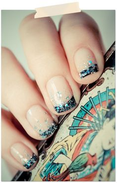 Love it! There's something about glitter nail polish that makes me happy :)