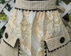 apron with great fabrics and pockets.