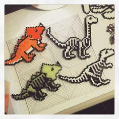 Photo from sejnow Melty Bead Patterns, Pearler Bead Patterns, Perler Patterns, Beading Patterns, Hama Beads Design, Diy Perler Beads, Perler Bead Art, Art Perle, Motifs Perler