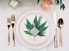 wedding place setting gold and green