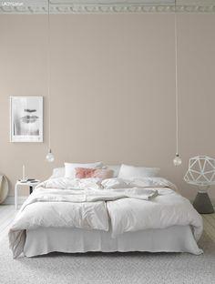 Anna G.: New dusty shades from Jotun Lady Anna G.: New dusty shades from Jotun Lady Dream Bedroom, Home Bedroom, Modern Bedroom, Bedroom Decor, Bedroom Lighting, Calm Bedroom, Bedroom Wall, Closet Interior, Jotun Lady