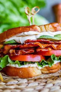 Bacon Lettuce Tomato Sandwiches, Aioli Sauce, Best Bacon, Healthy Dishes, Salmon Burgers, Food For Thought, Yummy Food, Yummy Recipes, Easy Meals