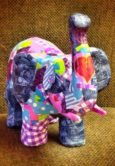 Elefante hecho con décopatch