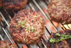 Broiled Lamb (or Beef or Bison) Burgers cooked sous vide with SousVide Supreme! Adapted from The 6 Week Cure for the Middle Aged Middle, Eades and Eades (Crown Serves 4 and multiplies easily! Burger Recipes, Mexican Food Recipes, Beef Recipes, Cooking Recipes, Whole30 Recipes, Vegetarian Recipes, Best Homemade Burgers, Homemade Hamburgers, Pork Burgers