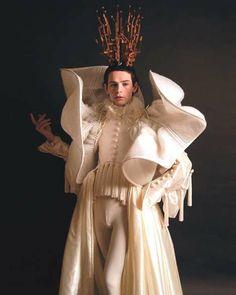 Costumes of Gwen van den Eijnde