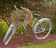Great Garden Idea #bicycles, #bicycle, #pinsland, https://apps.facebook.com/yangutu