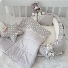 Modastra Gri Dantelli Babynest Seti, bebek odası tekstil kategorisinde ücretsiz kargo ve 182 TL fiyatıyla ePttAVM.com adresinde Baby Bedding Sets, Baby Nursery Bedding, Baby Bedroom, Baby Room Decor, Kids Room Design, Baby Design, Baby Nest Bed, Baby Shawer, Baby Sewing Projects