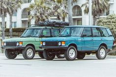 Brooklyn Coachworks is celebrating Range Rover's 50 years of building luxury SUVs by building period correct tributes in their Heritage Range Rover collection. Range Rover Classic, Range Rover V8, Range Rover Off Road, Range Rover Evoque, Ford Gt, Cadillac, Lamborghini, Ferrari 458, Ranger