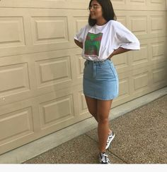 Nice, casual outfit ideas that you can try as soon as possible - Women Dresses for Every Age! Outfit Jeans, Jean Skirt Outfits, Jeans Outfit Summer, Dress Outfits, Summer Jeans, Jeans Dress, Dress Attire, Dress Shoes, Rihanna Outfits
