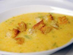 I tillegg til suppen bør du by på lunkne krutonger som gir suppen et knasende sprøtt innslag. Kilde: Stavanger Aftenblad. Foto: Jan Inge Haga