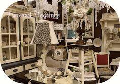 antique booth display ~ tatteredelegance.blogspot.com