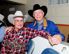 ❦ Two Hall of Fame legends John Ferris and Neil Gay at the Fort Worth Stock Show & Rodeo. Fort Worth Stock Show, Pro Rodeo, Rodeo Cowboys, Show Cattle, Rodeo Life, Bull Riders, Photography Portraits, Cowboy And Cowgirl, Horse Pictures