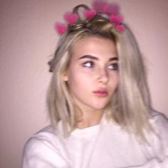 Image about pretty in Girls by 433102390 on We Heart It Aesthetic Photo, Aesthetic Girl, Aesthetic Pictures, I Love Girls, Cute Girls, Sage Tullis, Pretty People, Beautiful People, Girl Photo Poses
