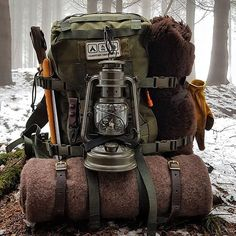 Camping Survival Bushcraft on March 18 can find Hiking gear and more on our website.Camping Survival Bushcraft on March 18 2020 Bushcraft Camping, Bushcraft Kit, Bushcraft Backpack, Bushcraft Skills, Camping Survival, Outdoor Survival, Survival Gear, Survival Skills, Camping Gear
