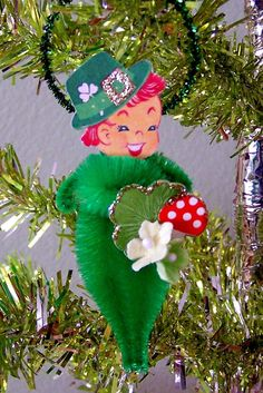 Parick's Day Lad Feather Tree Ornament by TreePets on Etsy Christmas Themes, Holiday Crafts, Christmas Ornaments, Pipe Cleaner Crafts, Pipe Cleaners, Irish Dinner, Irish Celebration, Chenille Crafts, Vintage Style