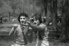 Daniel Sorine photographed a couple of mimes performing in Central Park in 1974. Thirty five years later, while going through his old photographs, he realized that he had captured a then unknown Robin Williams. [1408x949]