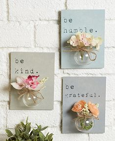 Create a beautiful floral display in no time at all with this Set of 3 Jar Vase Wall Hangings. Each plaque features a heartfelt word or phrase. The a diy home accents Sets of 3 Jar Vase Wall Hangings Diy Décoration, Easy Diy, Sell Diy, Diy And Crafts, Arts And Crafts, Crafts For The Home, Crafts To Make And Sell, Rock Crafts, Mothers Day Crafts