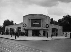 Clapham South, 1926. | 38 Breathtaking Pictures From The Early Days Of The London Underground