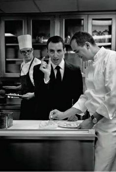 "Eleven Madison Park: John Colapinto writes about the legendary Flatiron restaurant: ""When you step through Eleven Madison Park's revolving door, you see not a maître d' behind a lectern but a greeter, who shakes your hand as if welcoming you into his home. The casualness is illusory."" http://nyr.kr/18KhPF3 (Photo by Zach Gross.)"