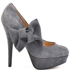suede shoes... i have some that look just like this but blue...*but they're too high for me to wear*
