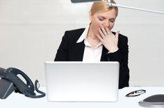 Expert em currículo aponta os erros mais irritantes que os candidatos cometem. Veja quais você já cometeu e saiba como evitá-los quando for formatar seu currículo   http://ift.tt/1IJoGoo