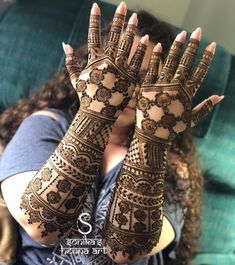 Tammy's bridal henna! Net inspired by @mehndidesigner ———————————————————————— For rates and availability contact us at:…