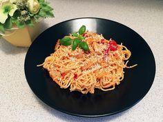 Chicken noodles😊  http://lucaraluca.ro/2017/05/08/noodles-cu-pui-si-ardei-copt/ #asiaticfood#noodles#asia
