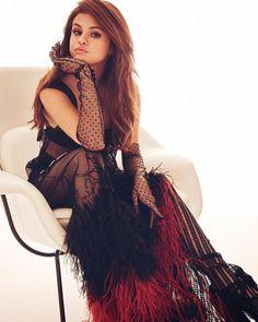 Selena Gomez Chilling and amazing...