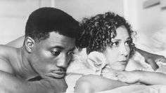 Spike Lee's JUNGLE FEVER starring Wesley Snipes and Annabella Sciorra has been released on Blu-ray. John Turturro, Picture Movie, Picture Photo, Wesley Snipes Movies, Theresa Randle, Summer Of Sam, Mo' Better Blues, Annabella Sciorra, Movies