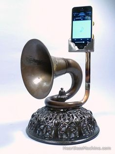 christopher locke. acoustic amplifiers | iPhone amplifiers made of brass instruments . WANT!!!