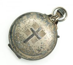 Vintage Early 20th Century Ornate Sterling Silver Engraved Cross Catholic Rosary Case. This is a wonderful vintage rosary case dating to circa 1932.