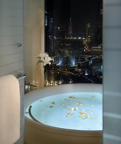 Radisson Royal Hotel Dubai Ambassador Suite - Bathroom