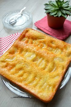 Gâteau simple, rapide et peu couteux - ...recette du monde... Gentilly Cake Recipe, Bon Dessert, Pie Crumble, Biscuit Cake, Great Recipes, Cake Recipes, Food And Drink, Cooking Recipes, Yummy Food