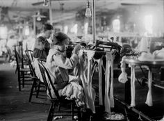 Crescent Hosiery Mill,Scotland Neck,North Carolina,Child Labor,Lewis W. Empire State Building, Us History, American History, History Facts, Fotografia Social, Lewis Hine, Labor Law, Working With Children, Working Girls