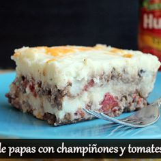 Recipe for Potato pie with mushrooms and Hunt's tomatoes, a delicious twist to the traditional potato pie, and a great alternative for lunch or dinner Potato Pie, Potato Recipes, Cheddar Cheese, Mashed Potatoes, Stuffed Mushrooms, Pudding, Lunch, Food And Drink, Baking