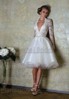 Vintage Lace Long Sleeves Deep V-neckline Tulle Skirt Knee Length Ball Gown Short Wedding Dress