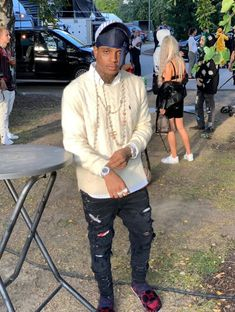 ski mask the slump god Ski Mask, Baby Skiing, Skiing Quotes, Cute Rappers, Cute Black Guys, Fine Men, Celebs, Celebrities, Baby Daddy