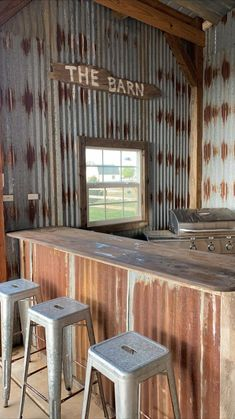 Barn Wood Projects, Backyard Bar, Corrugated Metal, Primitive Crafts, Primitive Christmas, Country Christmas, Christmas Christmas, Wood Crafts, Wood Furniture