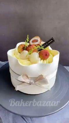 Cake Decorating Frosting, Cake Decorating Designs, Cake Decorating Videos, Cake Decorating Techniques, New Cake Design, Cake Nozzles, Patisserie Design, Soccer Cake, Baking Accessories