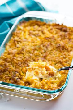 Cheesy Potato Casserole * 1 bag frozen hashbrowns * 1 pint sour cream * 2 sticks butter melted * 1 lb shredded cheddar cheese Mix together and pour into a pan. Crush 1 sleeve Ritz crackers on top. Bake 350 for 1 hour Crockpot Hashbrown Casserole, Potatoe Casserole Recipes, Hash Brown Casserole, Breakfast Casserole, Potato Recipes, Healthy Chicken Recipes, Cooking Recipes, Cooking Tips, Skillet Recipes
