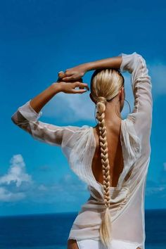 We are officially obsessed with braids. They're super versatile and work well with any hair type — they don't discriminate. You can wear braids to work, to the Frizz Free Hair, Blonde Braids, Blonde Hair, Blonde Ponytail, Brown Blonde, Blonde Brunette, Natural Hair Styles, Long Hair Styles, Braided Hairstyles Tutorials
