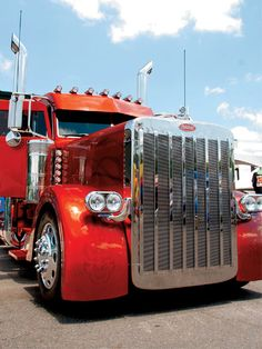 Custom Peterbilt Show Trucks   Custom Big Rig Truck Show Peterbilt Hoodlum Hoodz Front End