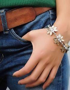 Crystal Floral Corsage Bracelet ♥