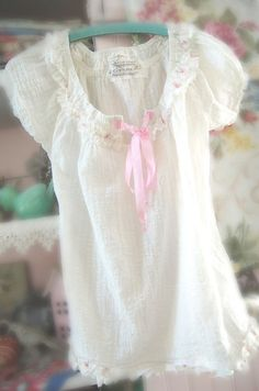 Adorable Shabby Chic Peasant Top Ivory Sz S by OfLinenandLace, $42.50