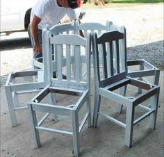 He puts kitchen chairs in a circle. What they become? This backyard idea is INCREDIBLE!   #DIY #Etsy #Handmade