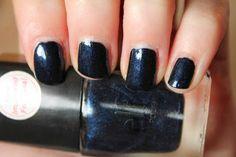 Navy Dark (#1543) http://www.eyeslipsface.fr/produit-beaute/vernis-a-ongles